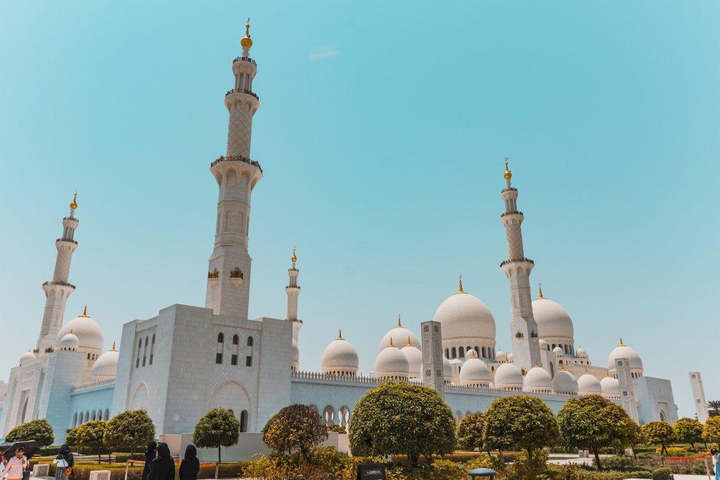 chauffeur service in Abu Dhabi