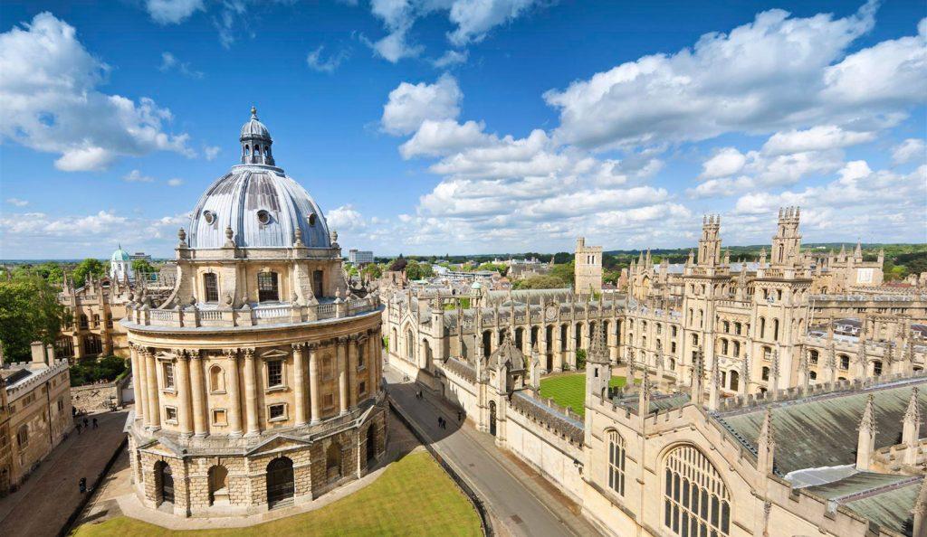 Chauffeur service in Oxford